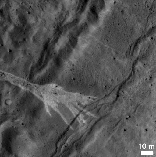 Newly formed gully in wall of Martian crater (detail)