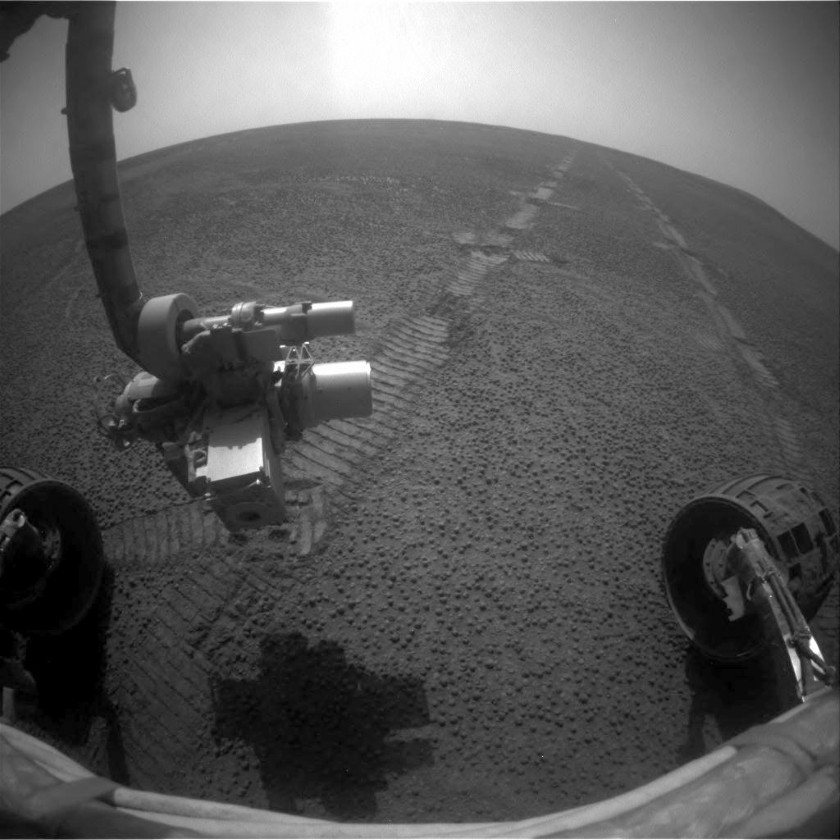 Blueberries under Opportunity's wheels, sol 2671