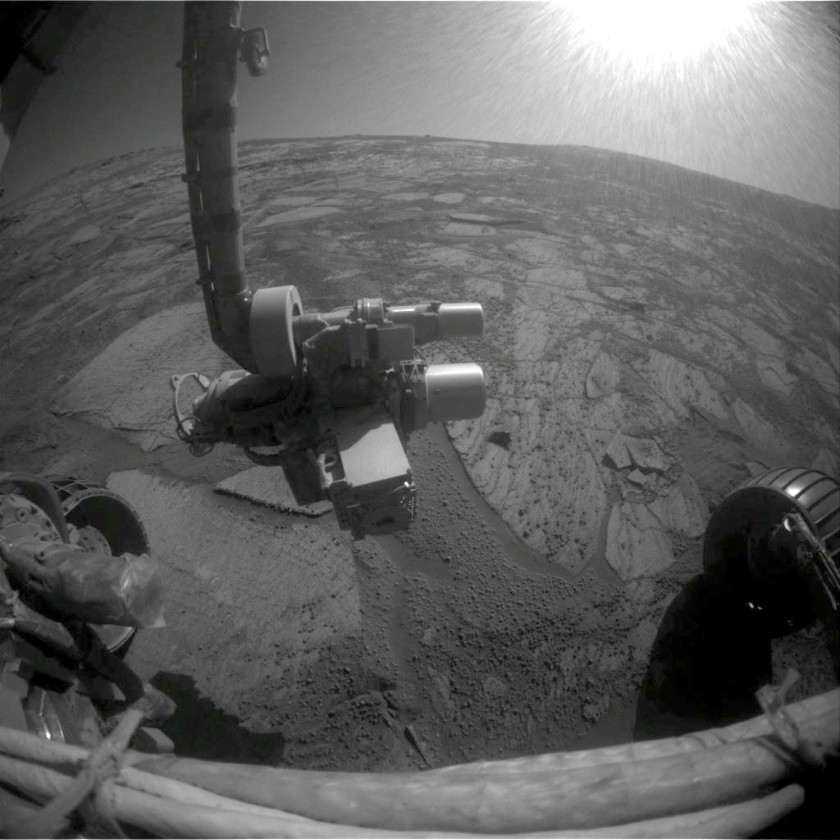 Wheels back on rock for Opportunity, sol 1621