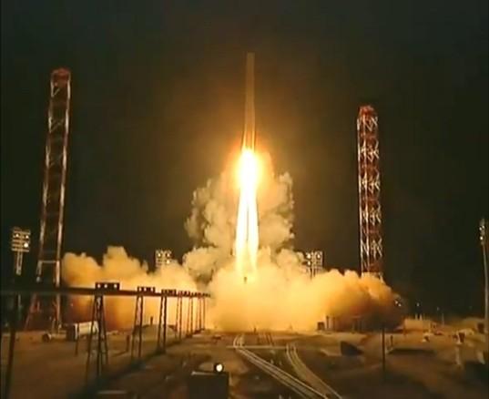 Phobos-Grunt and Phobos LIFE launch