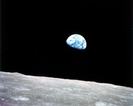 Apollo 8 Christmas Earthrise