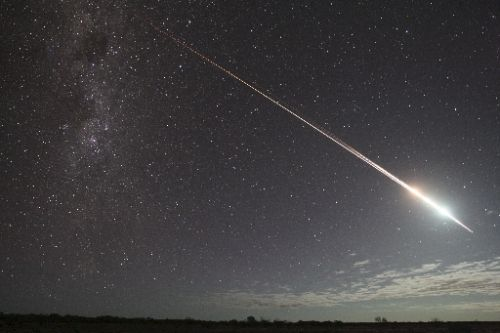 Hayabusa lights up the Australian sky