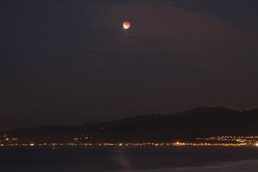 Just before totality, December 10 lunar eclipse, Santa Monica beach