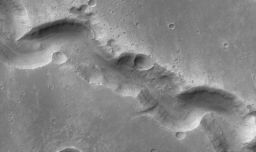 Gullies in Nirgal Vallis