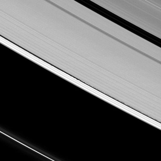 Daphnis shadow and wake