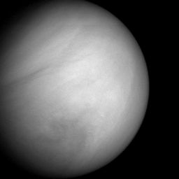 Venus cloud features from MESSENGER