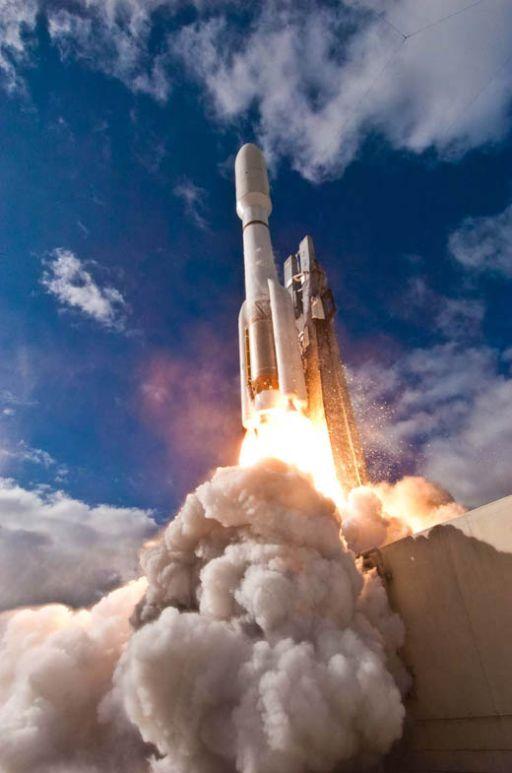 Curiosity launches on an Atlas V