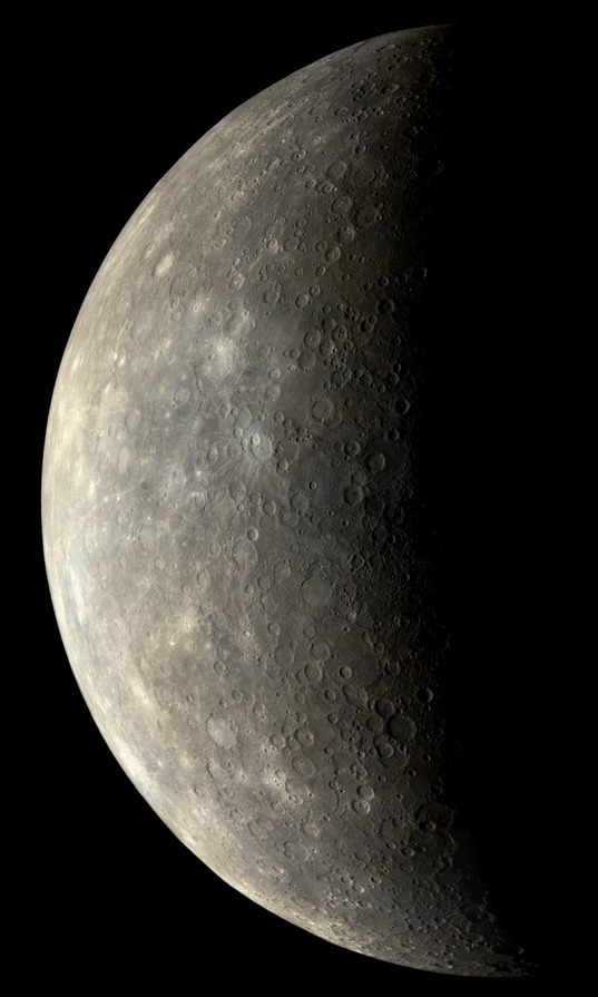Mercury in color from Mariner 10: Flyby 1 approach view