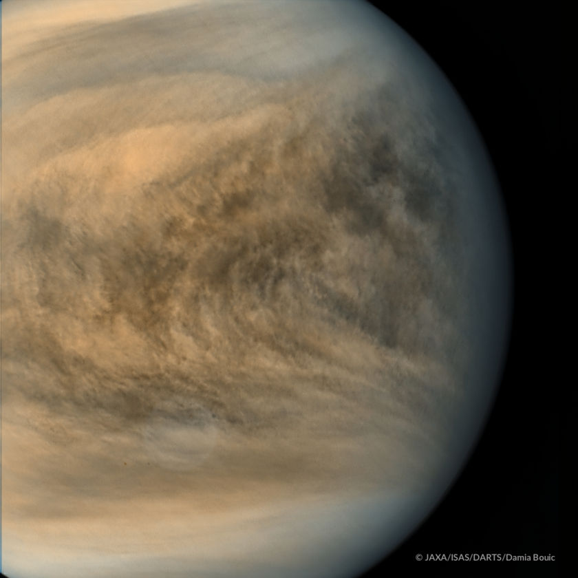 Equatorial region of Venus from Akatsuki