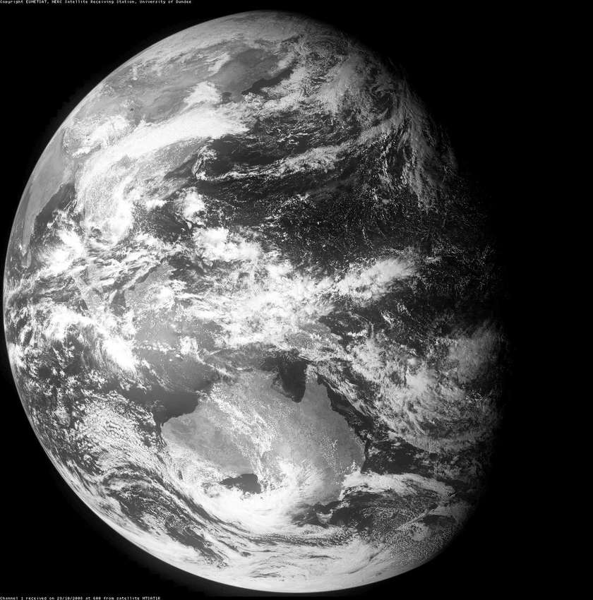 Image of Earth taken near the same time as the Chandrayaan-1 photo by Himawari-6