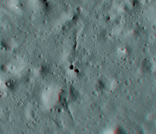 Lunar natural bridge in 3D