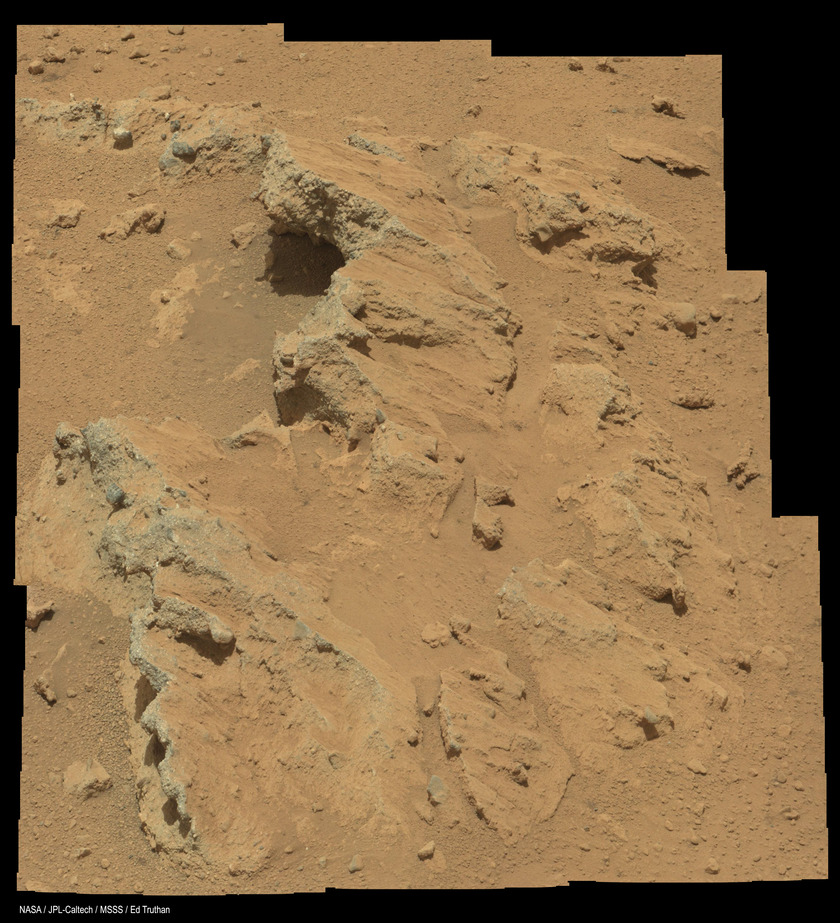 Conglomerate rock formation in Gale crater, Curiosity sol 39