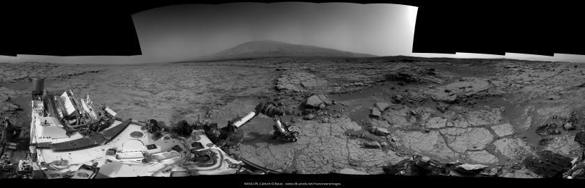 Curiosity Navcam panorama, sols 168-9