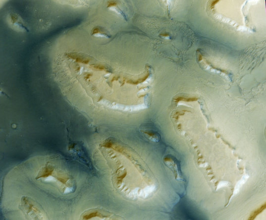 Aproned mesas in Deuteronilus Mensae, Mars