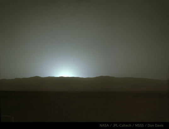 Sunset behind Gale's western rim, Curiosity sol 587