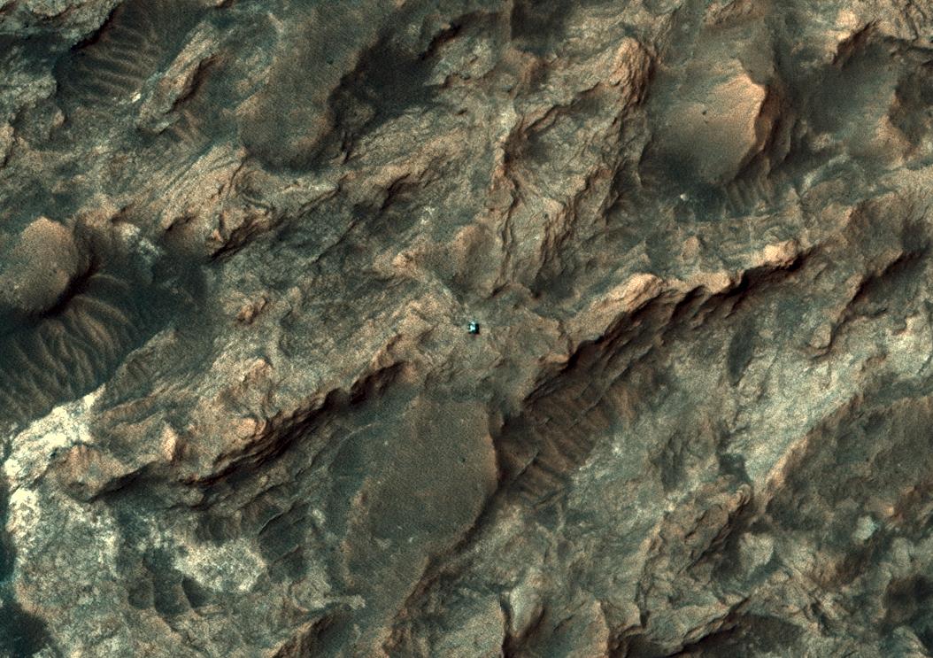 20160202_ESP_042682_1755_crop_rover.jpg