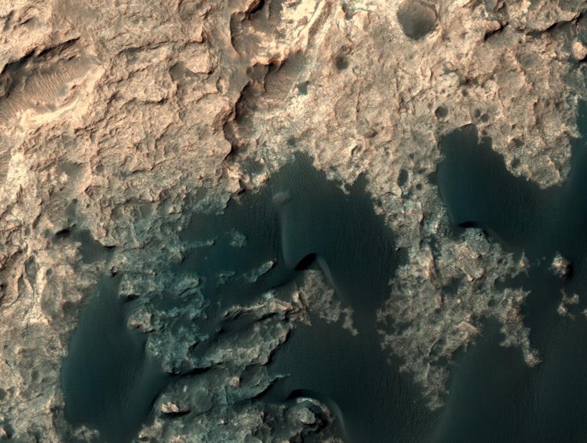 HiRISE view of Curiosity, sol 1207 (December 29, 2015)