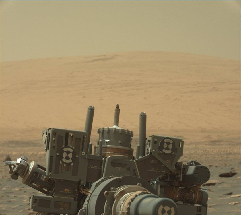 Curiosity's drill feed partially extended, sol 1757