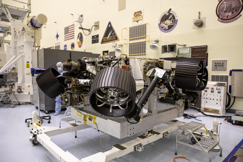 Mars 2020 rover unpacked in Florida