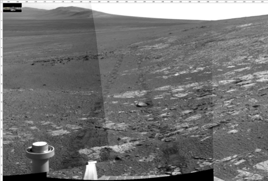 Navcam view looking south from station 14