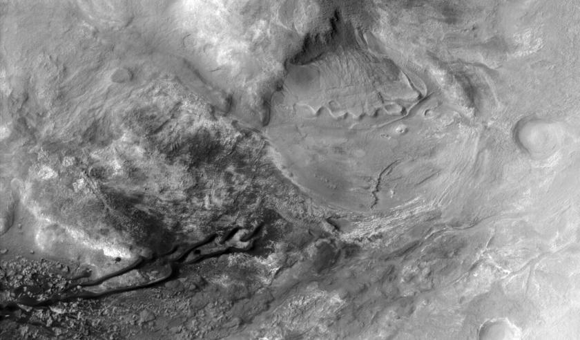 Gullies and dunes in the Nereidum Montes