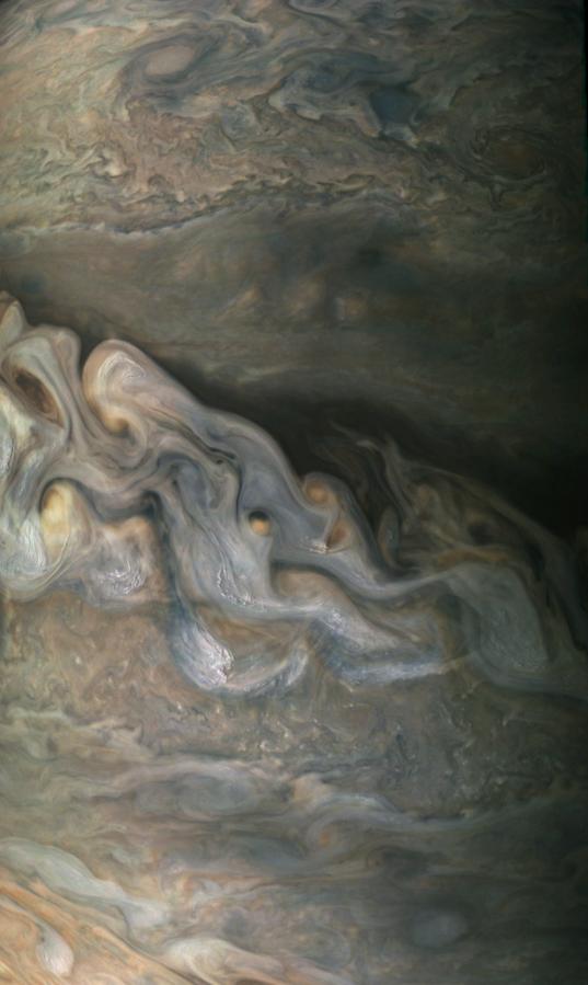 Jupiter from Juno: great polar spot