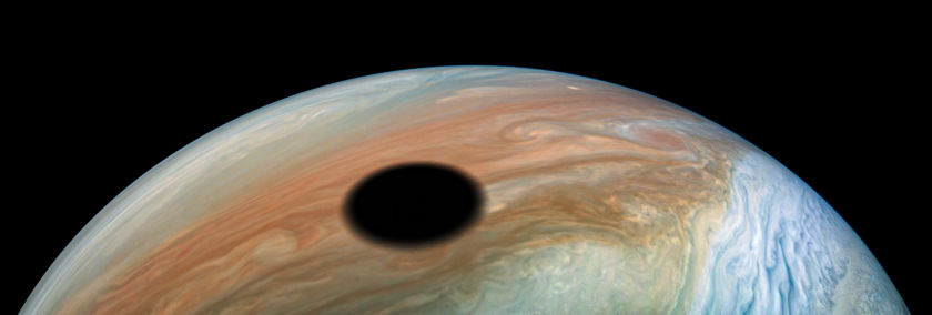 Io's shadow on Jupiter during perijove 22 (closeup)