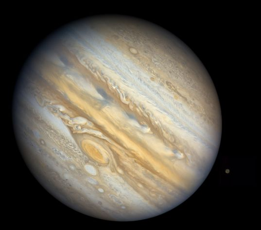 Jupiter and Callisto from Voyager 1