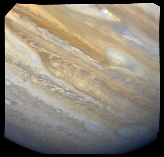 Equatorial anticyclone on Jupiter