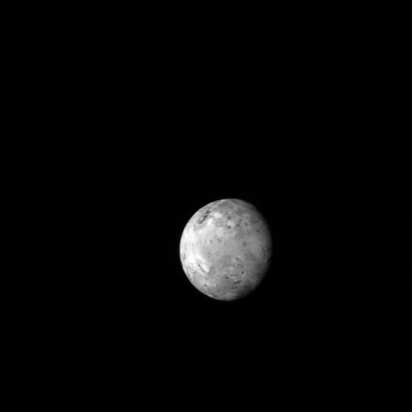 Io from New Horizons (exposure time: 4 milliseconds)