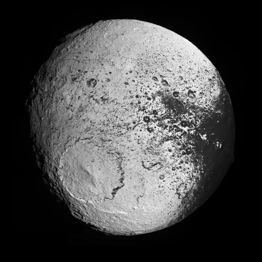 High-resolution global view of Iapetus' trailing hemisphere