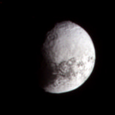 Iapetus' trailing hemisphere in false color (19 April 2007)