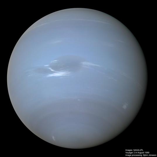 High-resolution global Neptune mosaic with Great Dark Spot