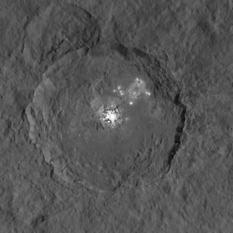 Occator Crater, Ceres high dynamic range view