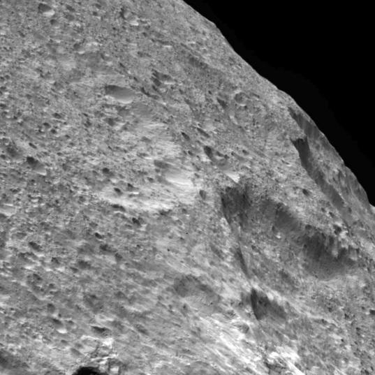 Fluusa crater