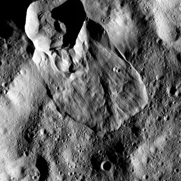 Crater ejecta flow on Ceres