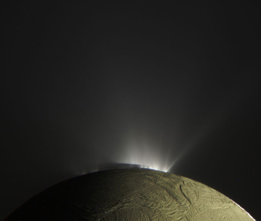 Color view of the plumes of Enceladus