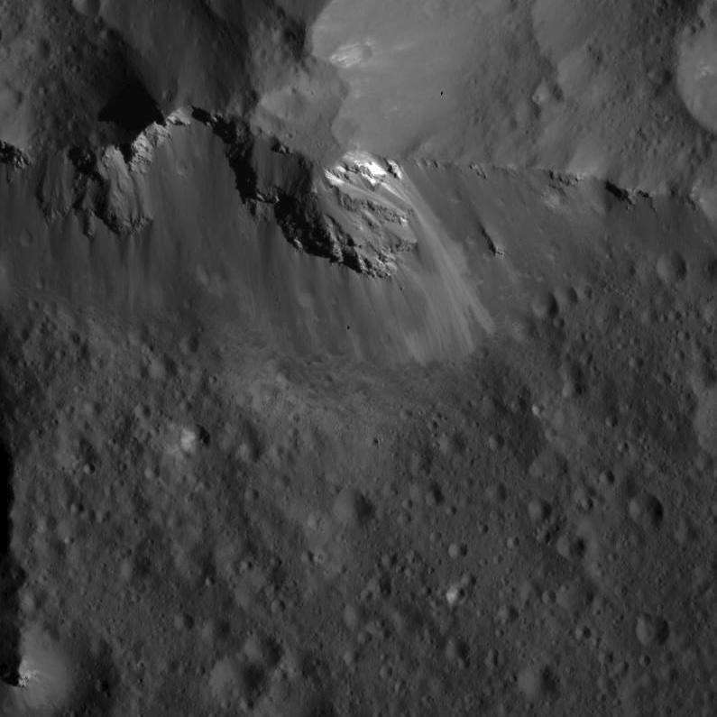 Ridge at the center of Urvara Crater (closeup)