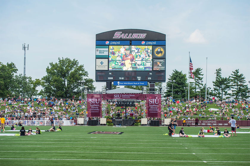 Mat Kaplan hosts the SIUC eclipse event at Saluki Stadium