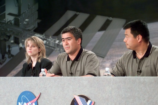Expedition 10 press conference