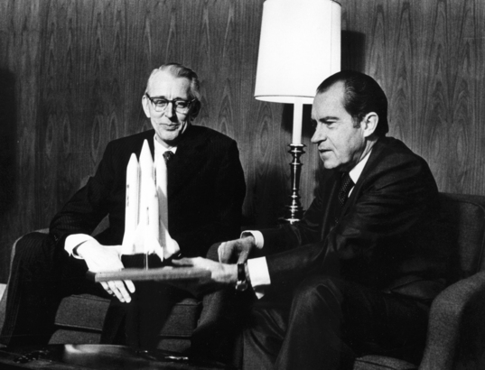 President Nixon Examines the Space Shuttle Concept