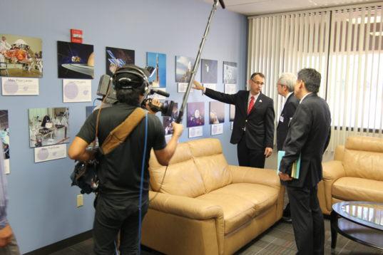 Film crew documents JAXA visit to University of Arizona