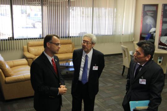 Dr. Saku Tsuneta visits the University of Arizona