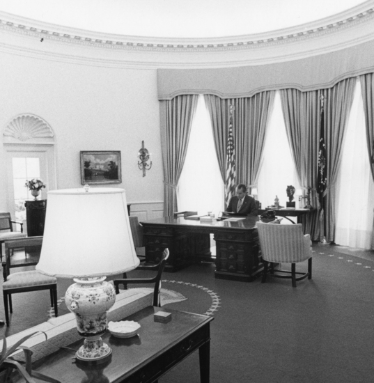 Nixon in the Oval Office, September 1970