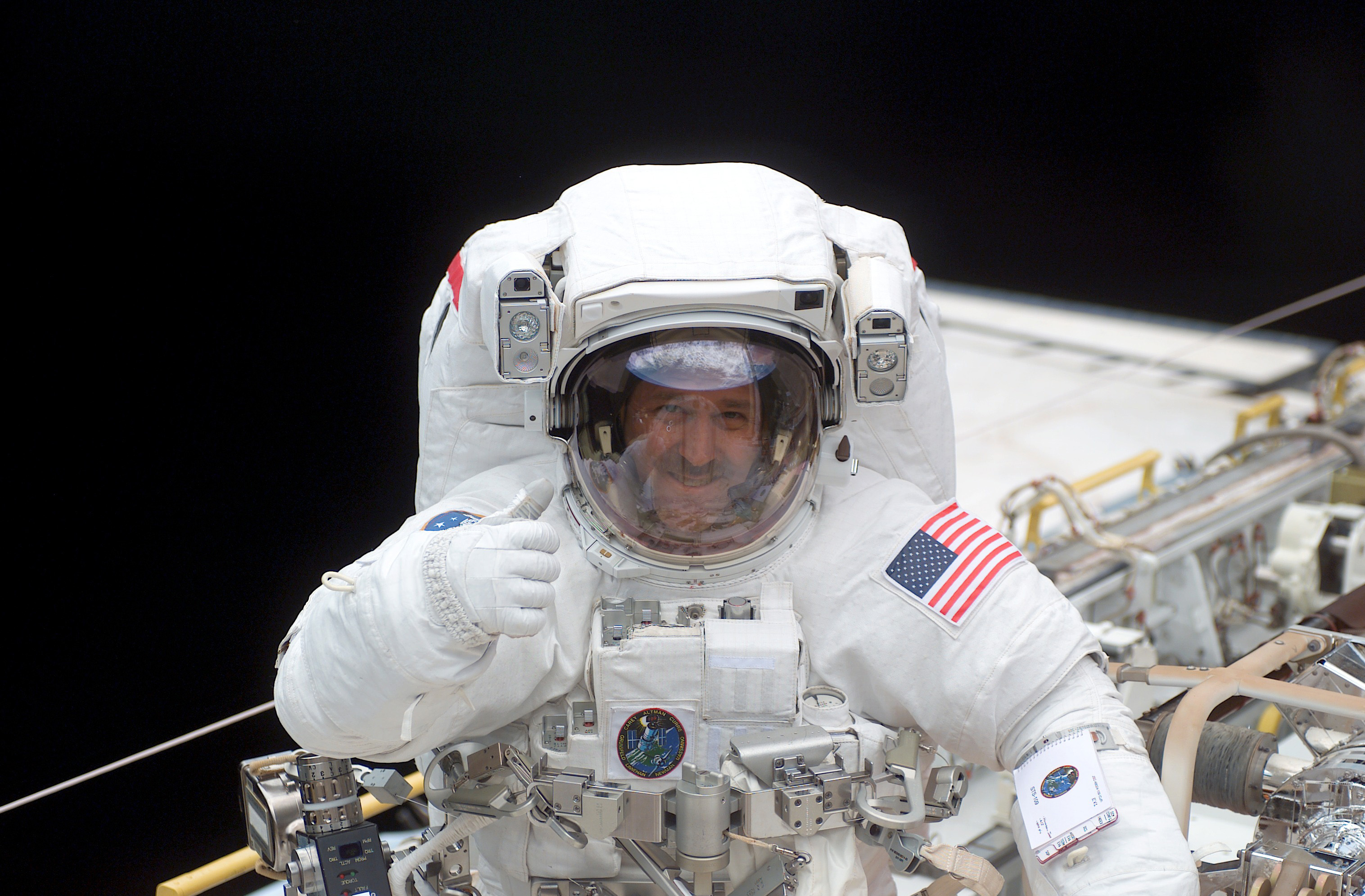 astronaut that died recently - HD 1200×816