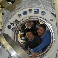 Expedition 45 crew departs
