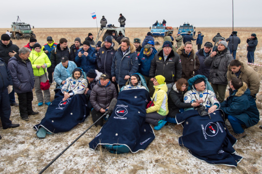 Expedition 46 crew in Kazakhstan