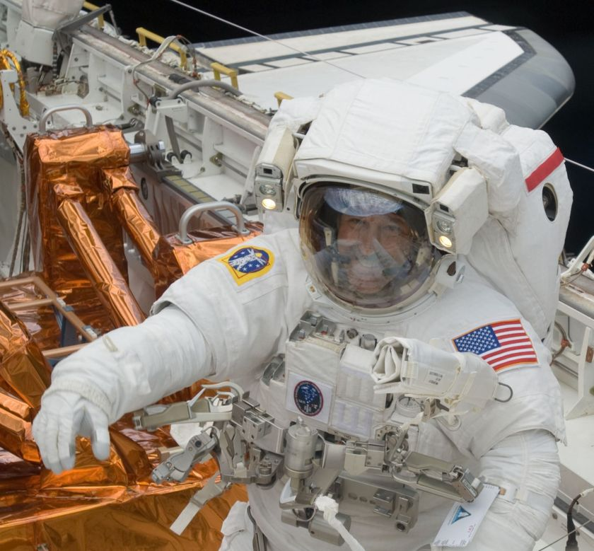 John Grunsfeld STS-125