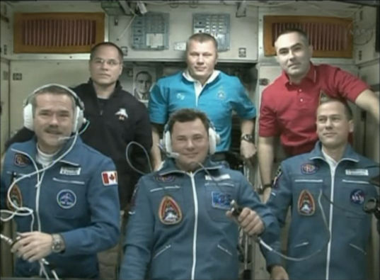 Expedition 34 crew welcome head shot