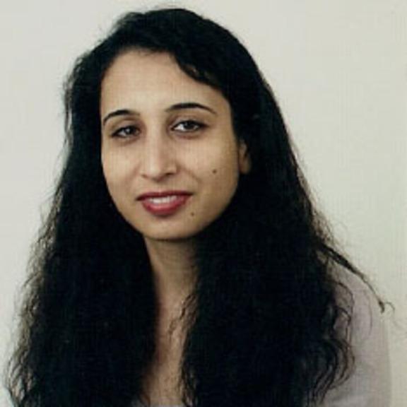 Robina Shaheen head shot